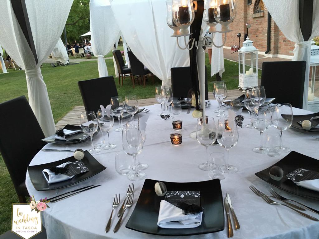 Allestimento Tavolo Bianco E Nero.Come Organizzare Un Matrimonio In Bianco E Nero La Wedding