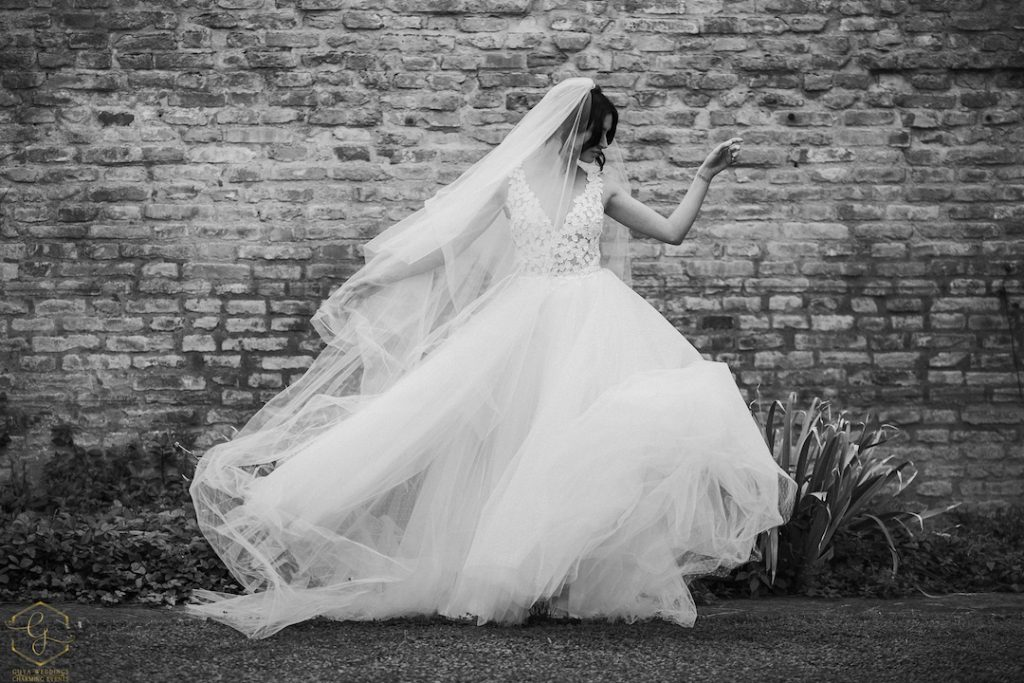 abito da sposa. velo lungo