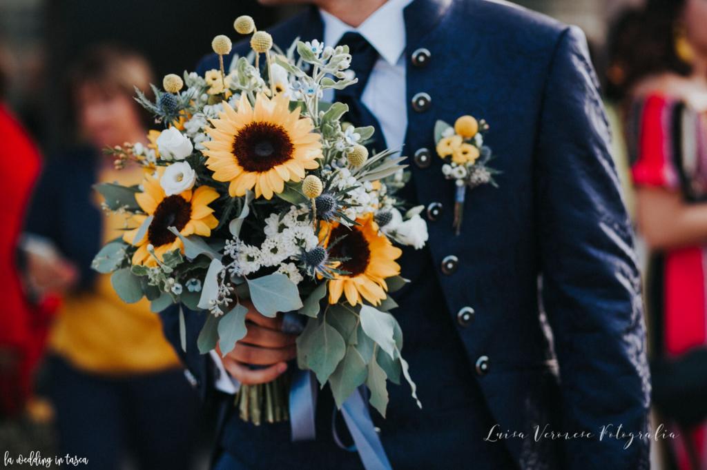 abito da sposo, matrimonio, bouquet